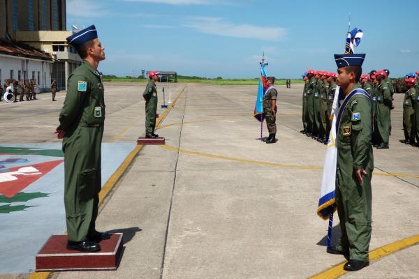 Um esquadrão era sediado na Base Aérea de Salvador e o outro na Ala 11