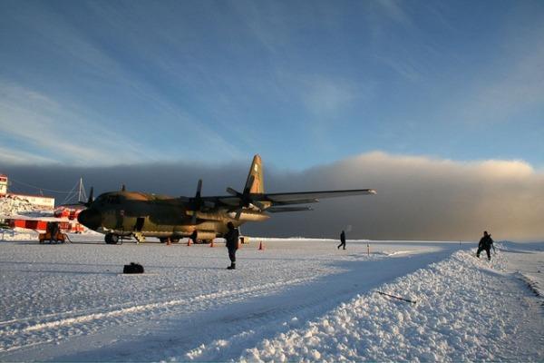 Reportagem especial mostrou a preparação de militares para realizar voos em apoio em Programa Antártico Brasileiro