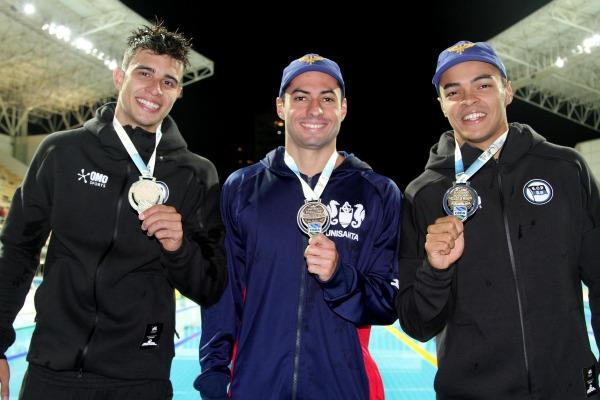 Militares da FAB são medalhistas em copetição de natação