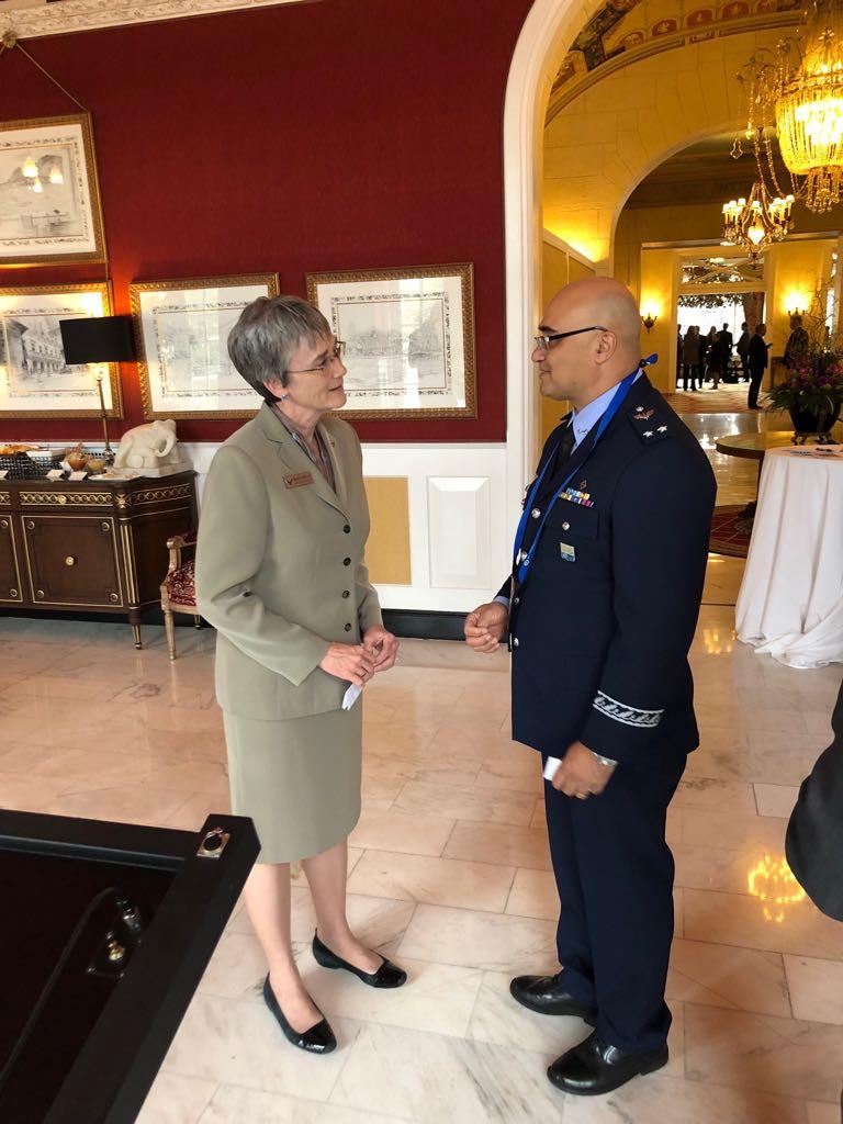 Brigadeiro Vital conversou com a Secretária da USAF Heather Wilson