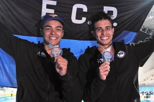 Sargento Gabriel e Sargento Spajari, 1º e 2° lugares dos 100m livre