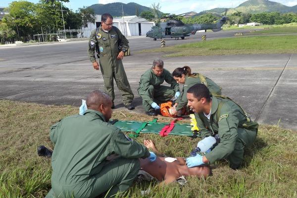 No treinamento, foi simulado que um militar foi gravemente atingido por disparo de arma de fogo