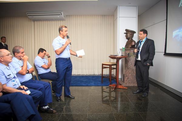 Oficiais-Generais realizaram perguntas ao final da apresentação