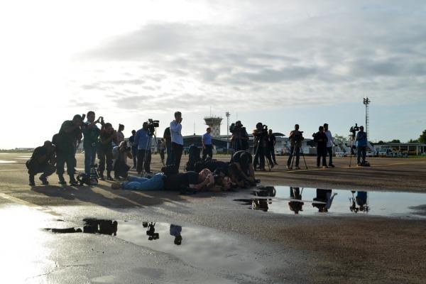 Imprensa acompanhou o embarque dos venezuelanos