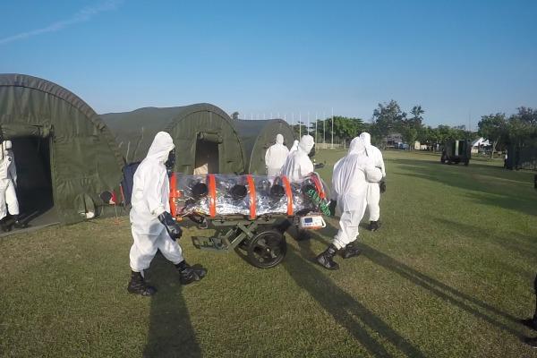 Prática de evacuação aeromédica de vítima