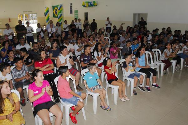 Crianças da Escola Municipal Y-Juca Pirama participam do PROFESP