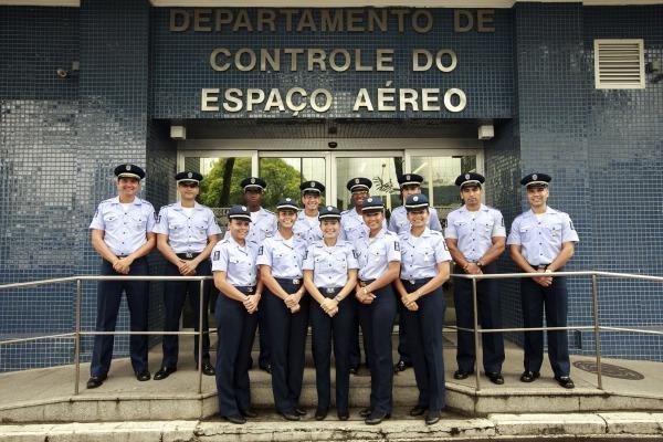 Alunos da especialidade de Informações Aeronáuticas (SAI)