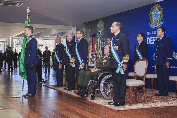 Homenagem é concedida a militares que se destacam no exercício da profissão e a organizações militares e instituições civis