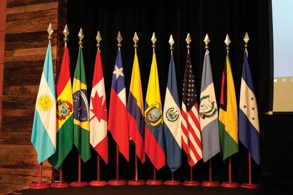 A Instituição possui, em suas escolas de formação, argentinos, bolivianos, peruanos, canadenses, guatemaltecas, salvadorenhos e norte-americanos
