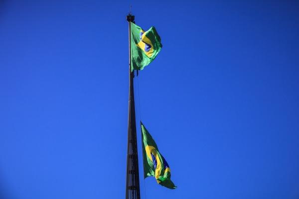 A solenidade realizada no mês de aniversário de Santos-Dumont movimentou a Praça dos Três Poderes, na capital federal