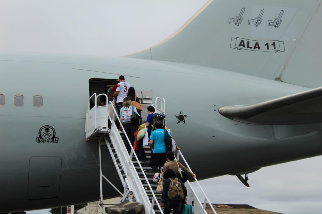 Mais de 160 imigrantes foram transportados até as cidades de Recife (PE) e Rio de Janeiro (RJ)