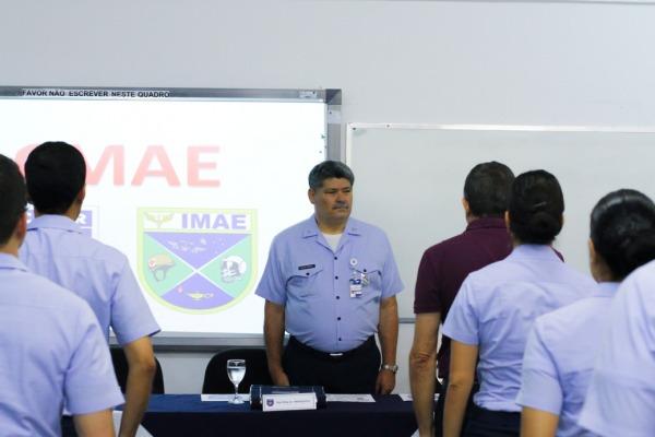 Ao longo de sete semanas foram ministradas disciplinas teóricas e práticas na área de fisiologia aeroespacial, entre outras