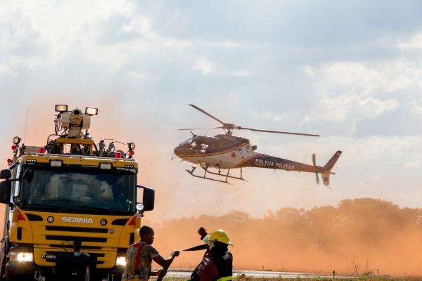Atividade simulou acidente com aeronave C-98 e envolveu cerca de 120 pessoas