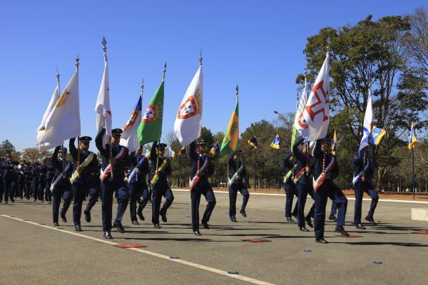 Na ocasião, foram entregues as Medalhas Mérito Santos-Dumont e Eduardo Gomes - Aplicação e Estudo