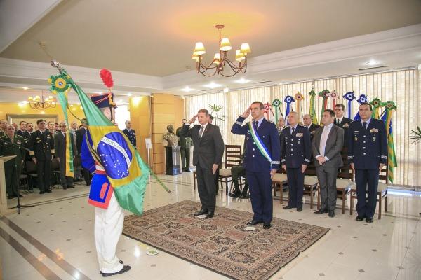 Cerimônia de assunção foi realizada nesta segunda-feira na sede do Ministério da Defesa em Brasília (DF)