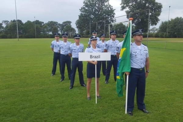 Delegação brasileira esteve entre as cinco primeiras no 1º dia de provas