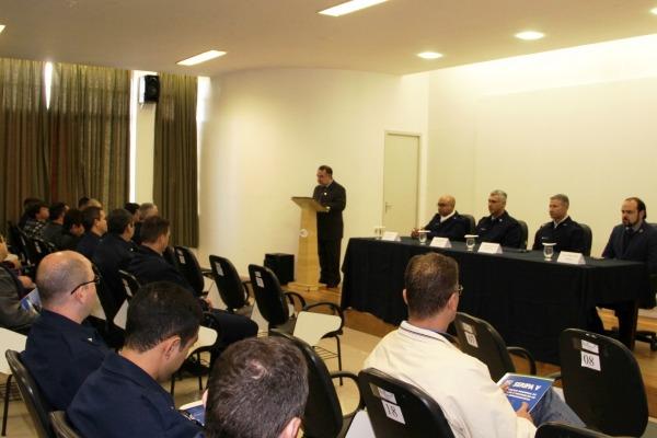 Pilotos e profissionais da aviação agrícola de diversos estados participam da atividade