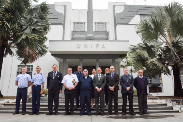 Os visitantes conheceram a estrutura das Escolas de Altos Estudos das Forças Armadas