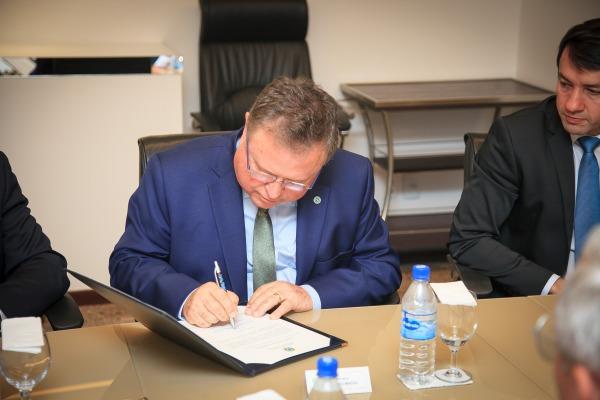 Ministro da Agricultura assina Memorando