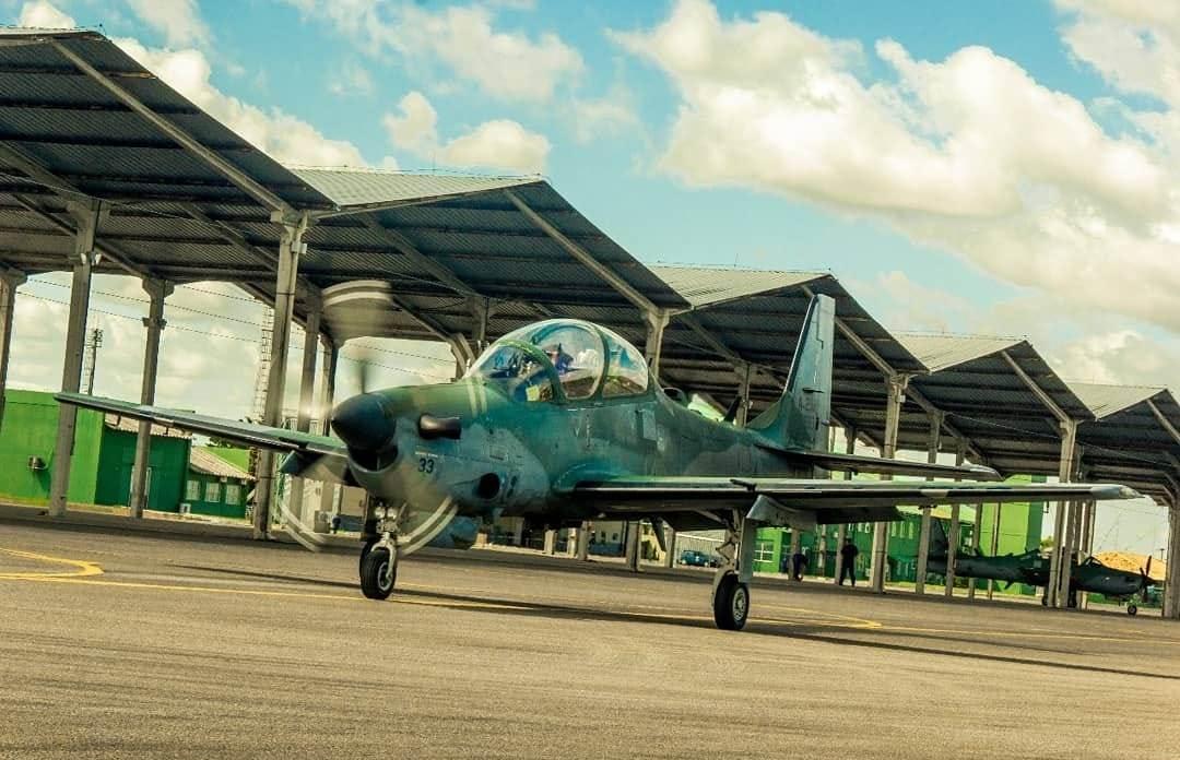 Pilotos fazem planejamento e execução de ações de ataque, varredura, escolta, reconhecimento aéreo e reconhecimento armado