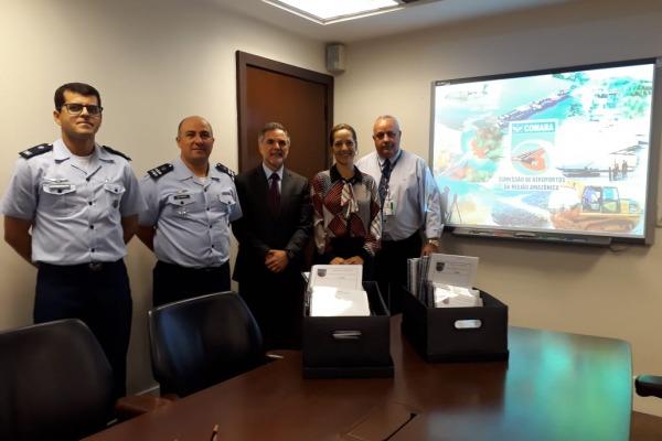 Major Renato e Capitão Maia entregam relatórios ao IBAMA no Rio de Janeiro