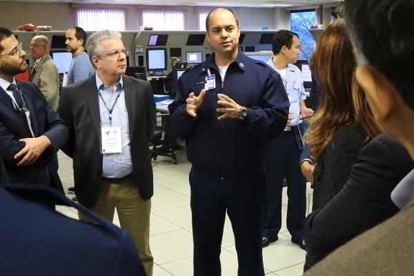 Visita foi promovida também pela Sociedade de Melhores Amigos da Aeronáutica de São Paulo (SOMAERO-SP)