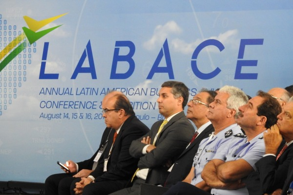 Evento reuniu as mais importantes empresas internacionais e locais da aviação executiva