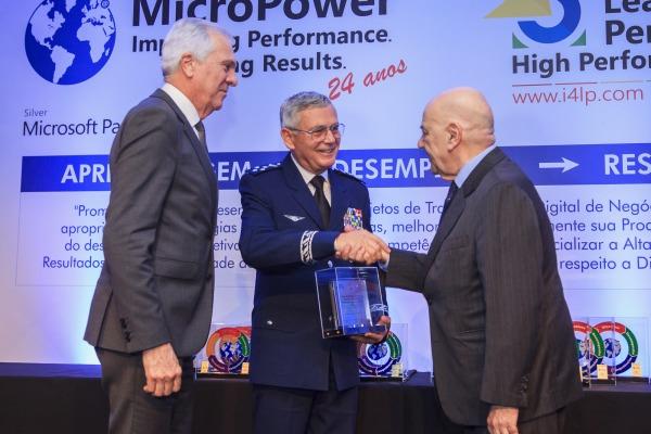 Troféu é entregue a iniciativas de desenvolvimento de talentos; Organizações da Força também foram homenageadas