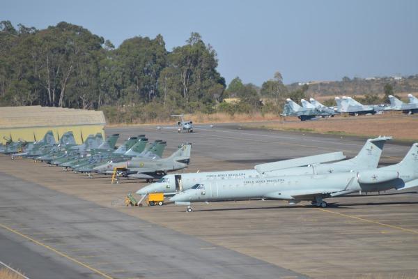 São mais de 300 militares operando e dando suporte às 40 aeronaves envolvidas na missão