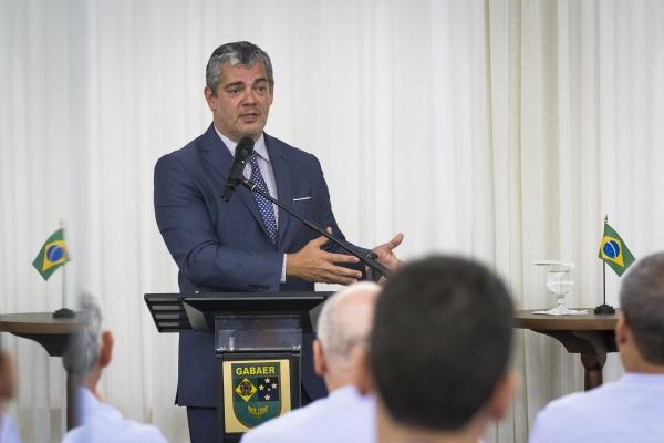 Projeto promove diálogo entre oficiais da FAB e representantes de diferentes setores da sociedade
