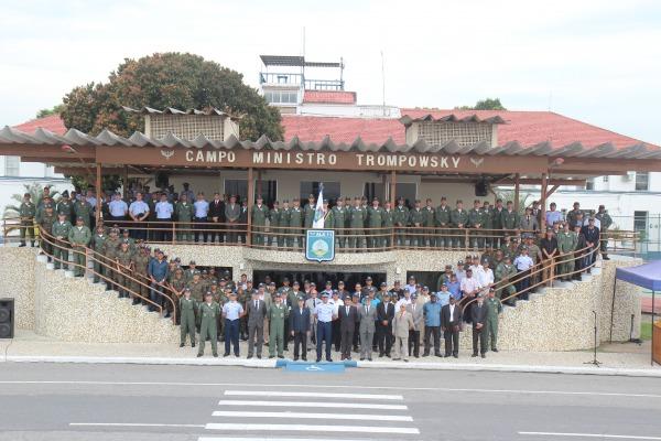 Ex-comandantes e profissionais de destaque foram homenageados durante a solenidade realizada na Ala 11