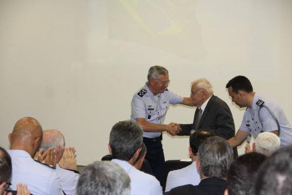 Ozires Silva, ex-presidente e cofundador da Embraer, esteve na palestra em SP