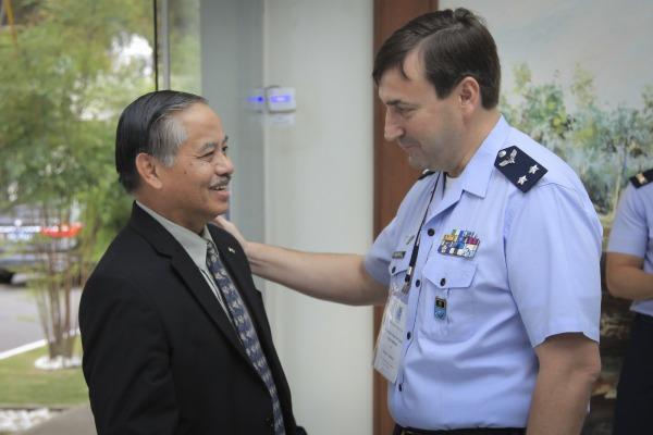 Embaixador da Indonésia é recebido pelo Brigadeiro Braga