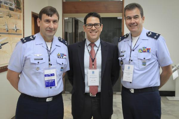 Brigadeiro Braga, Conselheiro do MRE e Brigadeiro Medeiros participaram da visita