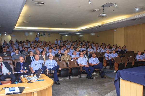 Evento em Brasília contou com palestras de representantes de órgãos externos de fiscalização e auditoria