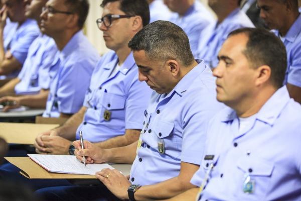 Suboficiais selecionados para o curso assistiram à apresentação do Comandante