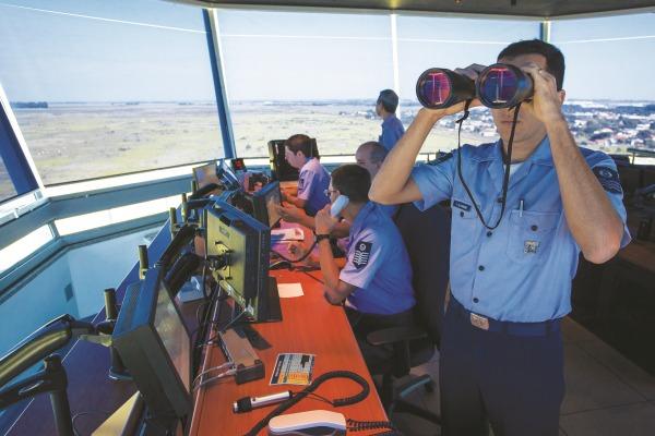 O Dia Mundial do Controlador de Tráfego Aéreo é celebrado neste sábado (20)