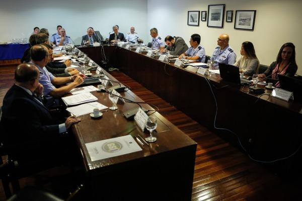 O Comitê é formado por representantes de diversos órgãos