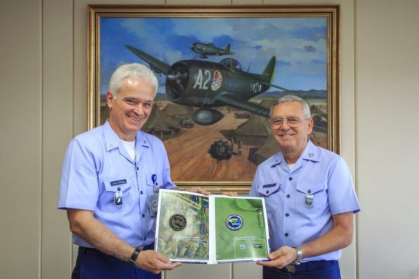 O símbolo foi entregue ao Alto-Comando nesta quinta-feira (25)