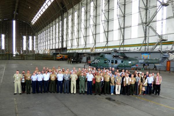 Oficiais-generais e superiores das Forças Armadas e Forças Auxiliares, militares estrangeiros e civis de instituições convidadas participaram da visita