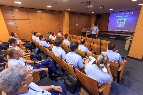 Simpósio promovido pelo Estado-Maior da Aeronáutica visa à atualização sobre o andamento dos projetos