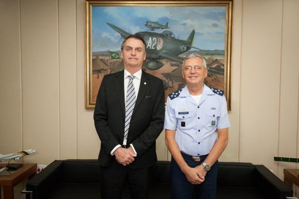 Jair Bolsonaro se reuniu com o Comandante da FAB e participou de café da manhã com oficiais-generais