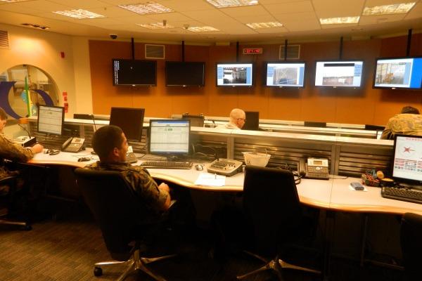Equipe operacional do CLA no Centro de Controle Avançado