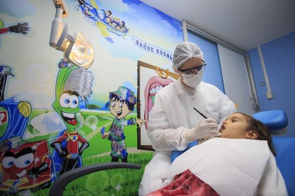 Na segunda reportagem da série, contamos as peculiaridades do atendimento odontológico na infância