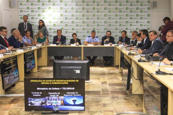 Durante o encontro foram debatidos os benefícios do desenvolvimento do setor aeroespacial brasileiro para o agronegócio