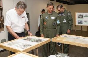 Ministro Silva e Luna fez um voo de caça A-29 Super Tucano