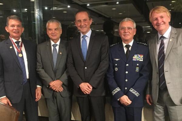 Diversas autoridades militares e civis prestigiaram o evento na FIESP