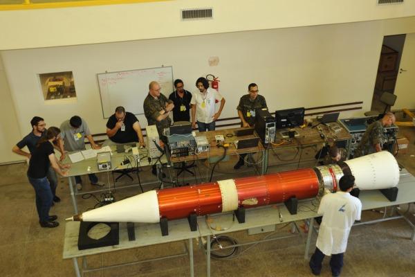Objetivo principal é lançar e rastrear o Veículo de Sondagem VS-30 V14