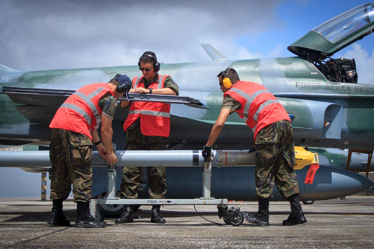 Aeronaves e equipamentos de voo precisam estar sempre em condições de cumprir as missões