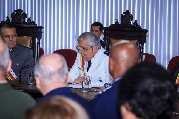 Ministro Francisco Joseli Parente Camelo lê discurso de boas-vindas
